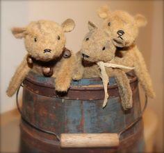 Prim Bears in an Olde Blue Bucket...Cinnamon Creek.