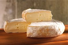 Moses Sleeper by Jasper Hill Farm - super buttery and creamy English Cheese, Dutch Cheese, French Cheese, Whole Food Recipes, Snack Recipes, Snacks, Queso Cheese, Artisan Cheese, Homemade Cheese