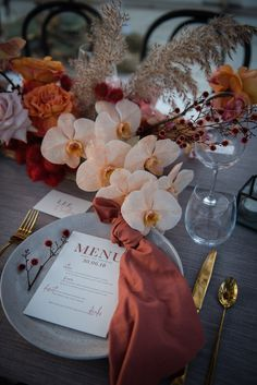 Fall Wedding Colors We're LOVING Right Now dreamy fall wedding reception tablescape inspiration. Fall Wedding Colors, Green Wedding Shoes, Floral Wedding, Orange Wedding, Nashville Wedding, Wedding Styles, Wedding Ideas, Wedding Details, Wedding Planning