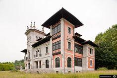 palacio--de-sotiello-cd77c8 Villas, Places In Portugal, Paraiso Natural, Indiana, Punta Cana, Spain Travel, Wanderlust Travel, Open House, Places To Travel