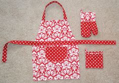 Child's apron & oven mitts (10 Cool Things to Make for Young Kids)