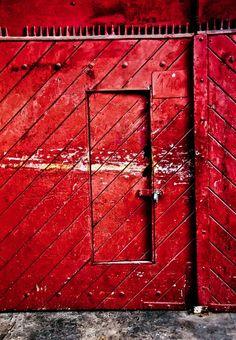 red wall #artekulatemyspace #finnstyle