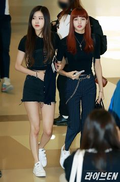 """[PRESS] 170925 Rosé & Lisa @ Gimpo International Airport """