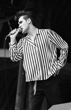 Morrissey: The Smiths at Glastonbury Festival on June 23, 1984 ― photo by Paul Norris (www.80sRockPics.com).