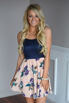 Stop & Smell the Flowers Dress – The Pulse Boutique