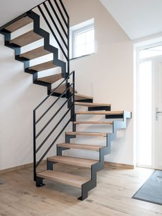 Home Stairs Design, Interior Staircase, Staircase Remodel, House Design, House Stairs, Facade House, Loft Railing, Hut House, Building Stairs
