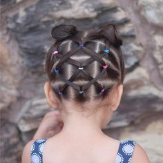"507 curtidas, 86 comentários - Mariel Toddler Hairstyles (@curious_strands) no Instagram: ""Super cute elastics hairstyle inspired by the very talented Patricia @pr3ttygirl79 we hope you…"""