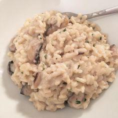 Parce que des fois je cuisine aussi ! Et même que c'est trop bon !  Risotto champignons 😋❤️ #bonneamarier #cooking #cook #pornfood #risotto #mushroomrisotto #handmade #homemade #homemadecooking #bonappetit