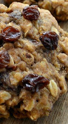 Chewiest Oatmeal Raisin Cookies