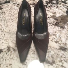 New St. John Sz 9.5 Brown Lleather Suede Shoes