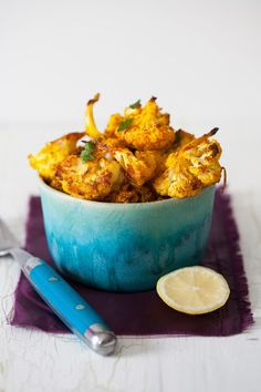 Roasted Cauliflower Bites with Spices, Garlic & Lemon by cookingmelangerie #Appetizers #Cauliflower #Healthy