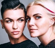 Ruby Rose and fiance Phoebe Dahl Ruby Rose Hair, Rubin Rose, Tomboy Fashion, Tomboy Style, Face Photo, Famous Couples, Australian Models, Orange Is The New Black, Dahl