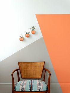 Choose your mural according to the latest trends 47 Photos Why is mural painting important? First of all you have to take into consideration your interior and your layout. If you want to create a custom decor . Bedroom Wall Designs, Bedroom Decor, Wall Decor, Vintage Chairs, Chaise Vintage, Deco Orange, Flur Design, Orange House, Accent Chairs For Living Room