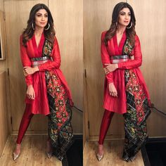 Shilpa Shetty Looked Stunning In Designer Ethnic Dress By Amit Aggarwal Indian Outfits Modern, Indian Fashion Dresses, Ethnic Outfits, Dress Indian Style, Ethnic Dress, Indian Wedding Outfits, Indian Designer Outfits, Designer Ethnic Wear, Unique Dresses