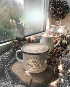 Christmas coffee for all' - Weihnachten Christmas Scenes, Christmas Art, Christmas And New Year, Christmas Decorations, Good Morning Christmas, Table Decorations, Merry Christmas Wishes, Christmas Greetings, Happy Birthday Video