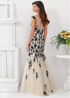 Chic Tulle Bateau Neckline Full Length Sheath Mother Of The Bride Dress