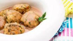 Receta de Albóndigas de acelga y pollo con salsa de pera y cebolleta