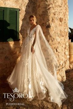 Tesoro 2020 Spring Bridal Collection – The FashionBrides Italian Fashion Designers, Gowns With Sleeves, Bridal Collection, Wedding Gowns, Elegant, Spring, Studio, Lace, Bridal Dresses