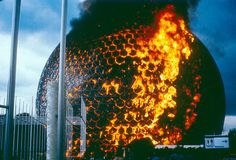 The sphere would remain open to the public for nine years until an accident involving some routine welding maintenance caused the acrylic covering to catch fire, engulfing the entire sphere in a spectacular ball of fire with flames that burned for 30 minutes.