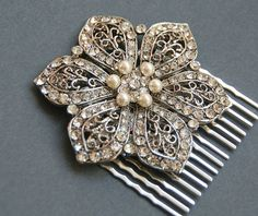 Beautiful vintage hair comb for the bride
