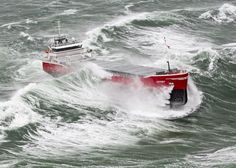 Heavy weather on the ocean