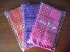 Kit com 3 toalhas de mão bordadas com nome a escolher.  Toalha de mão 100% algodão no tamanho 23 x 40 cm R$ 18,00