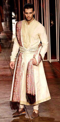 Tarun Tahiliani's Men's Wear Collection @ Aamby Valley Bridal Fashion Week