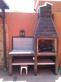 Hola a todos, os presento mi último proyecto que he conseguido acabar despues de muchos meses, teniendo en cuenta que no soy albañil y aprovechando ratos libres al final se me hizo un poco largo. Bueno, os dejo unas fotos del camino recorrido, la hice un poco a mi gusto, espero que no le pongais muchas pegas y que sirva de inspiración para otras futuras barbacoas, un saludo. Outdoor Bbq Kitchen, Outdoor Oven, Outdoor Kitchen Design, Backyard Patio Designs, Large Backyard, Masonry Bbq, Parrilla Exterior, Outdoor Fireplace Patio, Barbecue Design