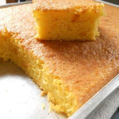 SUEBEE HOMEMAKER: My Sweet Buttermilk Cornbread has all the right ingredients for a perfectly sweetened and buttery cornbread. Eat it with butter and syrup for best results! Bread Recipes, Baking Recipes, Cake Recipes, Sweet Corn Cakes, Buttermilk Cornbread, Cooking Bread, Pudding Desserts, Sweet Bread, Love Food