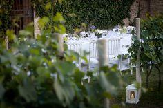 Wedding centerpiece. White. Green. Wedding in Italy. Wedding party. Wedding planner. Destination wedding. Vineyards wedding.