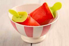 Polos de frutas caseros en Thermomix, uno de los postres rápidos y sanos que podemos hacer en casa y que a los niños les encantará hacer con nosotros
