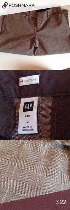Nice Gap Dress Capri's Nice Gap Capri pants with Brown tones. Inseam 17 GAP Pants Capris