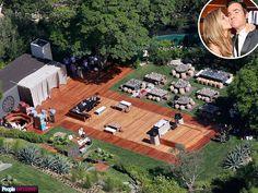 PHOTO EXCLUSIVE: Inside Jennifer Aniston and Justin Theroux's Romantic, Intimate Backyard Wedding http://www.people.com/article/jennifer-aniston-justin-theroux-wedding-site-photos