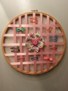 DIY hair clip / barrette holder made with old embroidery hoop