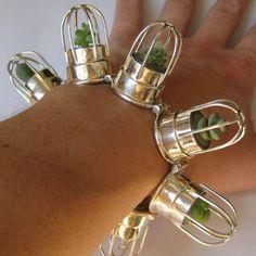 énorme ce bracelet !! :)