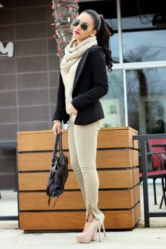 20 Street Chic – Street Style Fashion- Its not a sweater.. But its sooo cute