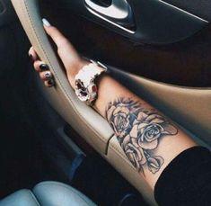Tattoo flores braço