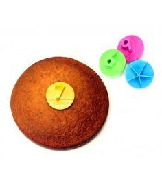 PARTY - Découpe gâteau multicolore.  Set de 4 empreintes pour diviser en 5, 6, 7 ou 9 parts.