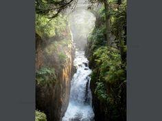 Brücke Espagne: Naturstätte der Brücke Espagne (Brücke Spanien): Brücke überspannt den Gave (Gebirgsbach) und Wasserfall; im Nationalpark Pyrenäen, auf der Gemeinde Cauterets - France-Voyage.com