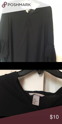 Forever 21 girls black top size medium Forever 21 girls black top size medium Forever 21 Tops Blouses