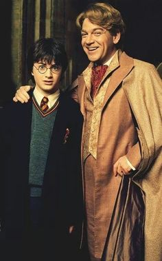 THAT TIME GILDEROY LOCKHART PUT HIS DISGUSTING HANDS ON HARRY. | 22 Times When Harry Potter's Bitch Face Was Better Than Yours