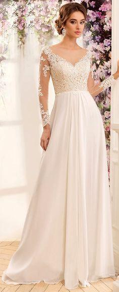 Flowing Tulle & Chiffon Bateau Neckline A-Line Wedding Dresses With Lace Appliques