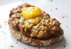 Das #Rezept für eine Tatarschnitte vom Grill ist schnell fertig und passt perfekt zu frischem Salat.