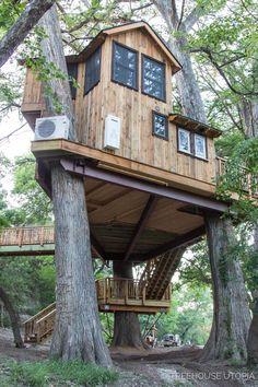 Tiny House Talk, Tiny House Cabin, My House, Adult Tree House, Tree House Plans, Beautiful Tree Houses, Cool Tree Houses, Backyard Trees, Tree House Designs