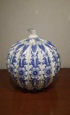 Check out this item in my Etsy shop https://www.etsy.com/listing/506148686/chinese-ginger-jar-lidded-vase-hand