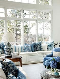 Blue and white – always classic