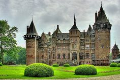 De Haar Castle (Kasteel de Haar)  Located in the Netherlands, the castle was founded in the 14th century.  Between 1892 and 1912 the castle that stands today was rebuilt incorporating the original ruins.