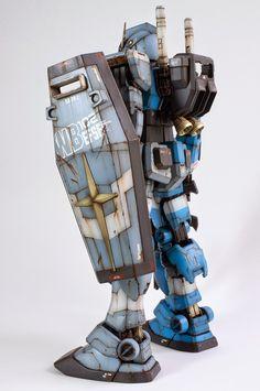 Gundam PG RX 78-2 scale model by Gavin Lee Manners. #scalemodel #sci-fi #mech