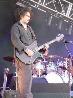 The Cure at The Cure, Elbow, Keane, Longview, and Cranes at Emirates Old Trafford Cricket Ground (09 Jul 04) with The Move