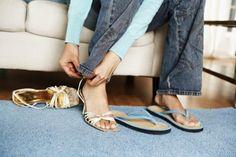 Zapatos Que NO Debes Usar En Una Entrevista De Trabajo.  Escoger el atuendo apropiado para una entrevista de trabajo puede ser todo un gran desafío. Pero asimismo de la prenda apropiada, los accesorios y los zapatos juegan un rol muy importante si deseas conseguir una buena impresión. Es ... Ver más aquí: https://zapatosdefiestaonline.com/zapatos-que-no-debes-usar-en-una-entrevista-de-trabajo/
